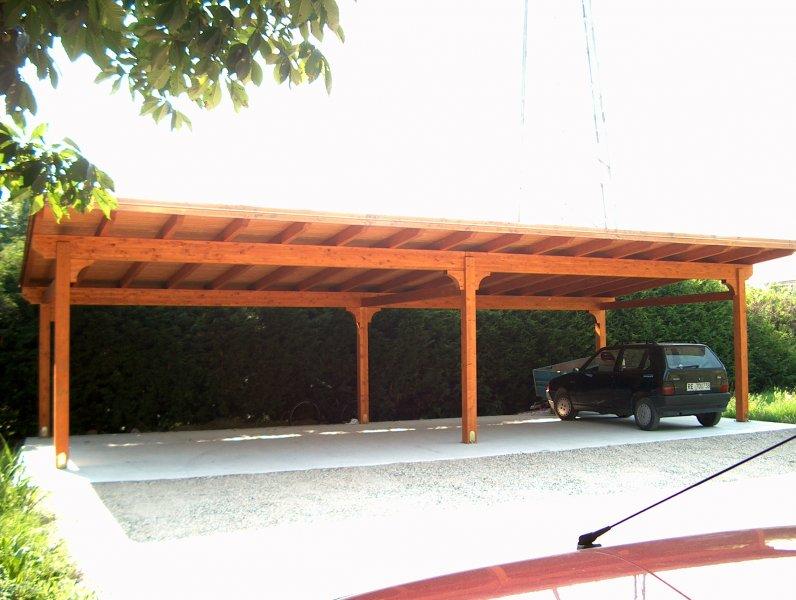 Carport in legno a quattro posti con campata doppia
