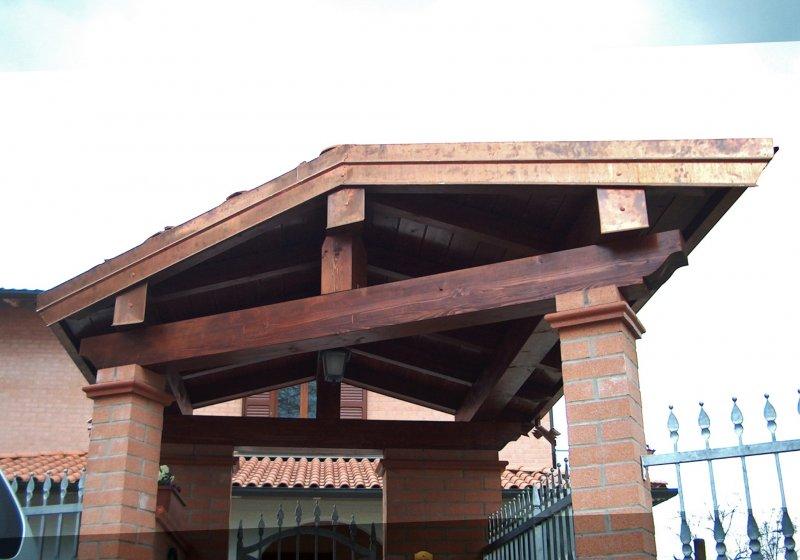 Copricancello in legno con sezione irregolare