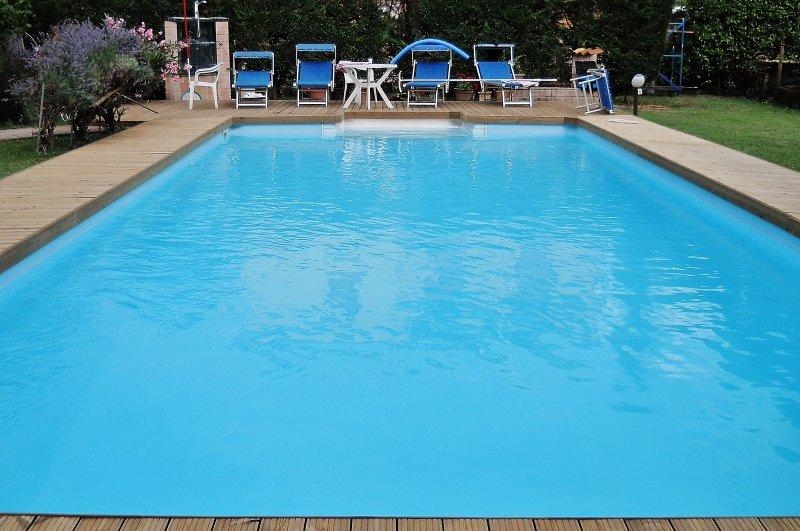 "Pedena per piscina in pino ""termowood"""